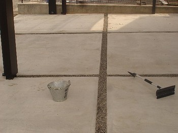 駐車場(目地1).jpg